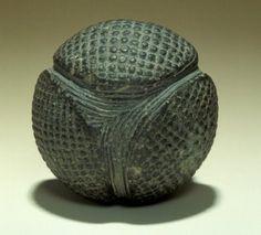 On a retrouvé de mystérieuses sphères en pierre datant de 5000 ans. Que signifient elles ? B9a9bd8c496bba6f23b81f26cbf56b56