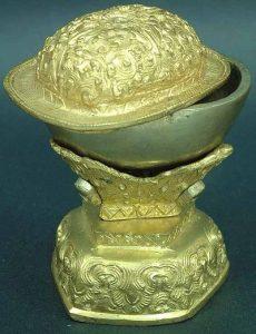 Le secret bien glauque des crânes rituels tibétains 2bxclngjskullcap-230x300