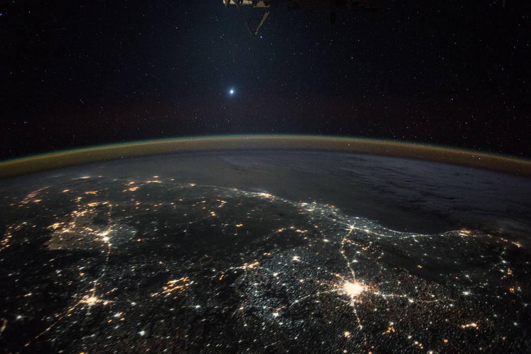 Les étoiles vues de l'ISS Iss045e166104