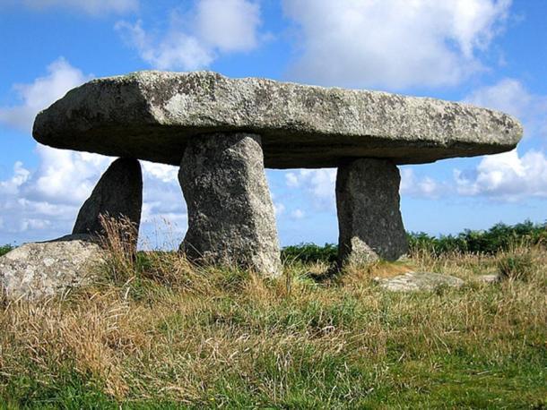 Le paysage cornouaillais est parsemé de structures mégalithiques anciennes comme celle-ci Lanyon Quoit Mégalithe
